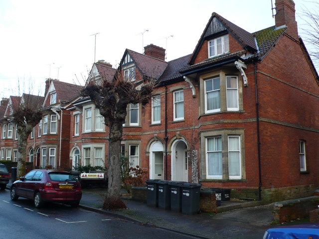 Victorian_Terraced_Houses,_Yeovil_-_geograph.org.uk_-_660437